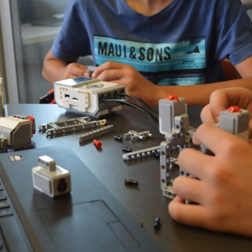 Ενημερωτική Εκδήλωση για τον Πανελλήνιο Διαγωνισμό Ρομποτικής  στη Δημόσια   Βιβλιοθήκη της Βέροιας