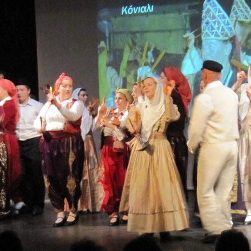 Τιμώντας τις ρίζες -  Λογοτεχνία, ιστορία, μουσική, χορός και εικόνα σε μια πλούσια παράσταση του Συλλόγου Μικρασιατών Ημαθίας