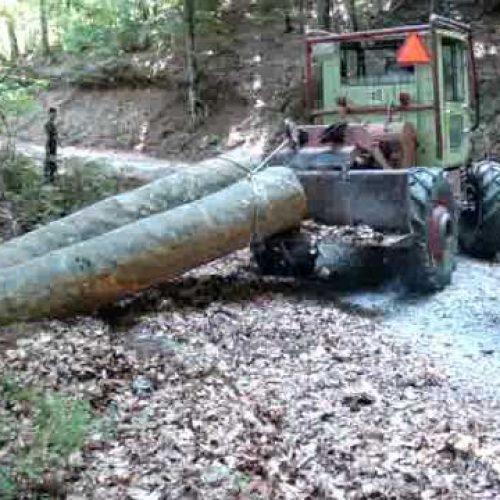 Νεκρός  χειριστής τρακτέρ που  παρασύρθηκε από   κορμό δένδρου