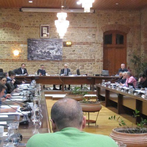 Δημοτικό Συμβούλιο Βέροιας. Στιγμιότυπα από τη συνεδρίαση της 19ης/ 12/'16