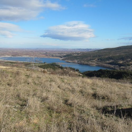 Πωλείται οικόπεδο 1000τ.μ. στα Ασώματα της Βέροιας με θέα τη λίμνη του Αλιάκμονα