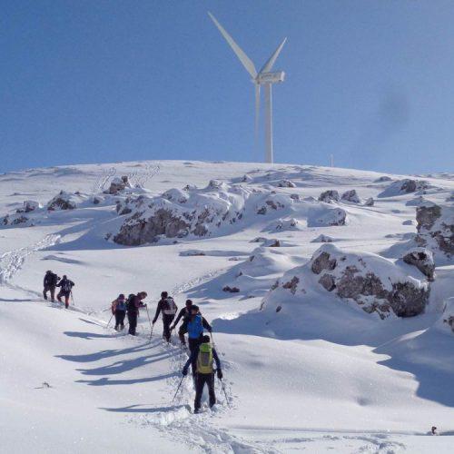 """Στις χιονισμένες πλαγιές του Βερμίου η Ορειβατική Ομάδα Βέροιας """"Τοτός"""""""