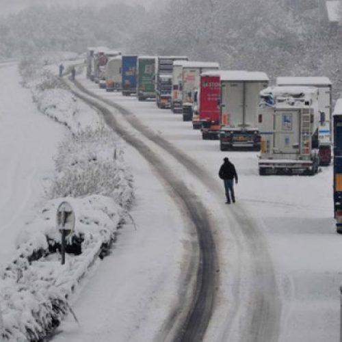 """Προσωρινές κυκλοφοριακές ρυθμίσεις στην Ημαθία λόγω απαγόρευσης κυκλοφορίας φορτηγών οχημάτων άνω των 3,5 τόνων στην ΠΑΘΕ"""""""