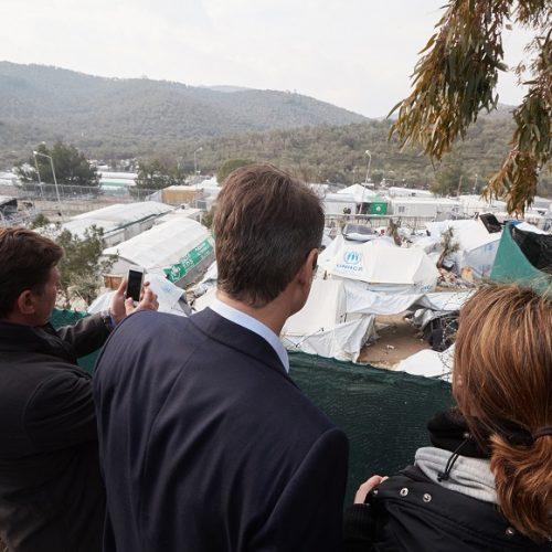 """""""Με 'θέα' τους πρόσφυγες στη Μόρια"""" γράφει ο Γεράσιμος Χολέβας"""