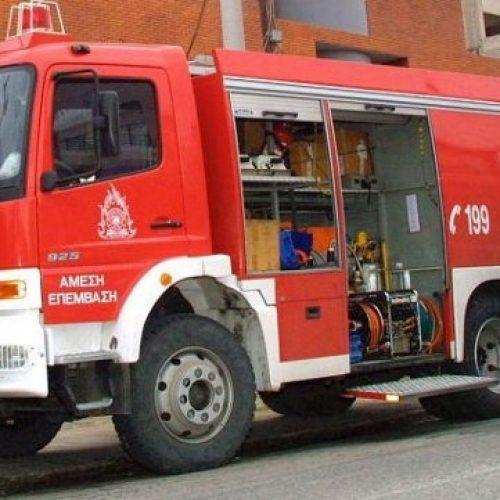 Κατάσβεση πυρκαγιάς σε μονοκατοικία από την Πυροσβεστική Υπηρεσία Βέροιας