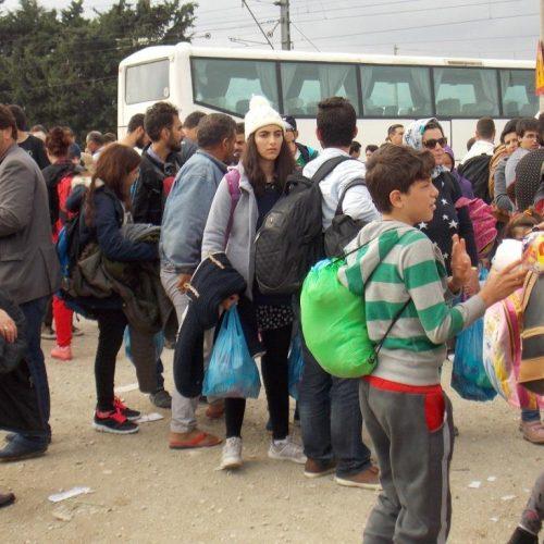 """Εργατικό Κέντρο και ΟΓΕ Νάουσας: """"Τα προσφυγόπουλα στην Αλεξάνδρεια ξεκίνησαν να πηγαίνουν σχολειό"""""""