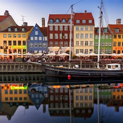 Εργασία και χαρά! Που; Στη Δανία
