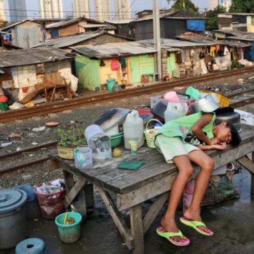 Ινδονησία: Οι τέσσερις πλουσιότεροι έχουν περισσότερα από όσα οι 100 εκατομμύρια φτωχότεροι...