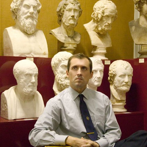 Συνέντευξη  Ισπανού Καθηγητή που αναρτά σε ενημερωτική  ιστοσελίδα διεθνείς ειδήσεις στα Αρχαία Ελληνικά