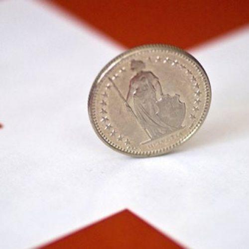 Οι Δανειολήπτες Ελβετικού Φράγκου συλλέγουν υπογραφές