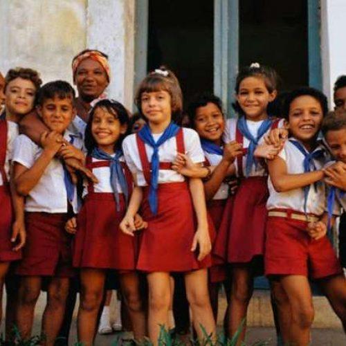 Στην κορυφή του κόσμου η παιδεία της Κούβας του Φιντέλ Κάστρο κατά την  Παγκόσμια Τράπεζα