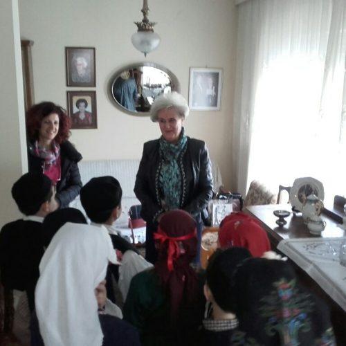 Το 1ο Δημοτικό Σχολείο στο Λύκειο   Ελληνίδων Βέροιας