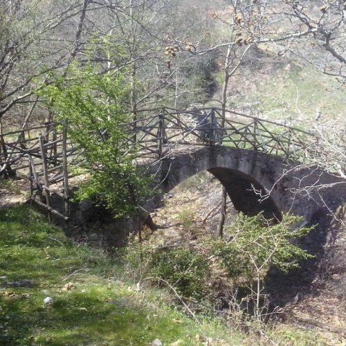 """""""Το άγνωστο μεταβυζαντινό πέτρινο γεφύρι του Μοσχοπόταμου Πιερίας"""" γράφει ο Δημήτρης  Ρουκάς"""