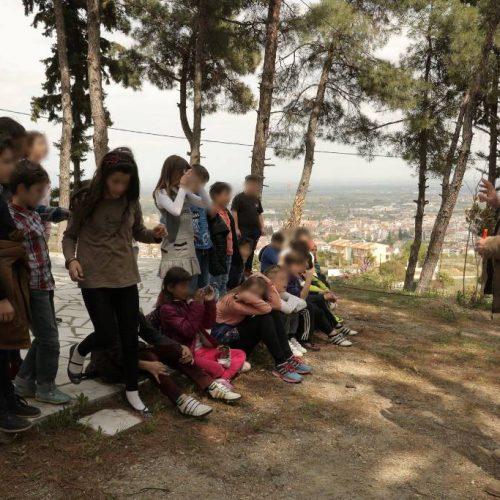 Η  απελευθέρωση του θεραπευμένου Νανόμπουφου στο λόφο του προφήτη Ηλία στη Βέροια