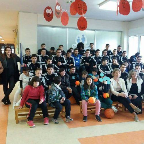 Η Εθνική Ομάδα Handball Παίδων Ελλάδας επισκέφτηκε τη Μέριμνα Ατόμων με Αυτισμό (ΜΑμΑ)