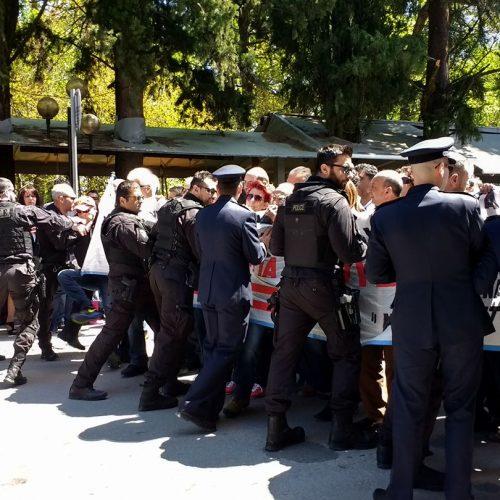 """Εργατικό Κέντρο Νάουσας: """"Η σημερινή κυβέρνηση ενισχύει την καταστολή με στόχο να   τρομοκρατήσει  τους εργαζόμενους"""""""