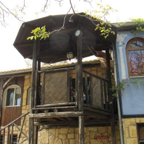 Όταν η Πίστη και η Φύση συλλειτουργούν… Μεσημέρι Μεγάλης Παρασκευής στη Μονή Καλλίπετρας