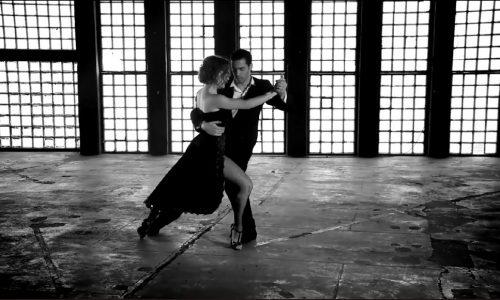 """""""Ο χορός ως μέσο έκφρασης, δημιουργίας και επικοινωνίας σώματος και ψυχής""""  γράφει η Δέσποινα Γερουλίδου"""