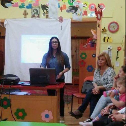 Το πρόγραμμα της Ιατρο-παιδαγωγικής Μονάδας υλοποιεί σε όλους τους Παιδικούς Σταθμούς του ο Δήμος Νάουσας