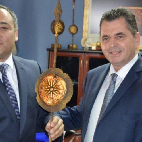 Επίσκεψη του γενικού πρόξενου του Ουζμπεκιστάν   στον αντιπεριφερειάρχη Ημαθίας