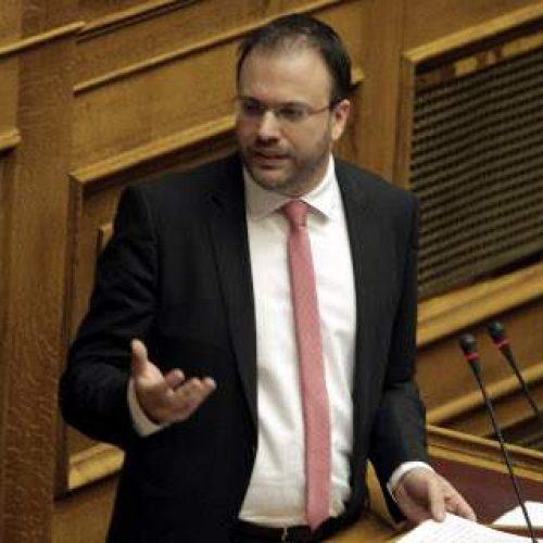 """Θεοχαρόπουλος: """"Τσίπρας και Τσακαλώτος να φορέσουν ποσέτ για τα δάκρυα του λαού"""""""