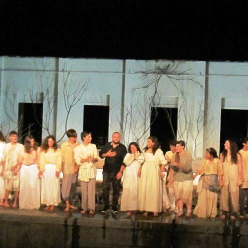 """Το ΔΗΠΕΘΕ Βέροιας πολύτιμο φυτώριο θεατρικής παιδείας – """"Το Γαλατόδασος"""" του Πέτρου Μαλιάρα μια λαμπρή απόδειξη!"""
