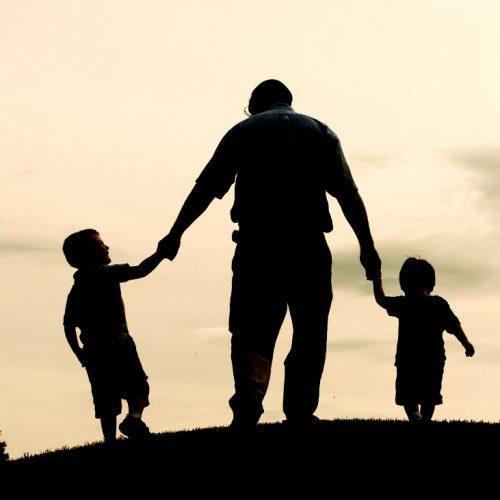 Ο πατέρας στον καιρό της κρίσης
