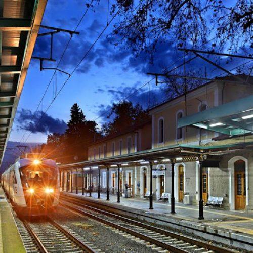 Ποίηση στις ράγες στο τρένο για την Κατερίνη, Κυριακή  11 Ιουνίου