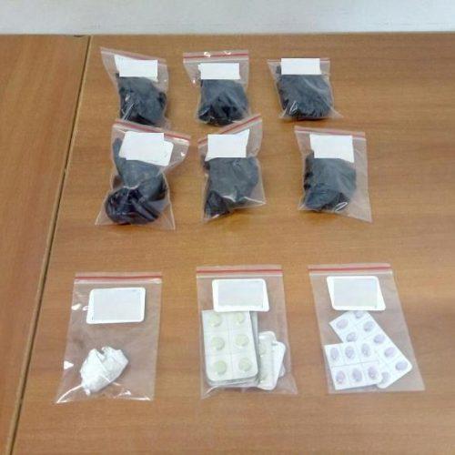Συνελήφθησαν 2 άτομα από αστυνομικούς του Τμήματος Ασφάλειας Αλεξάνδρειας για διακίνηση ναρκωτικών