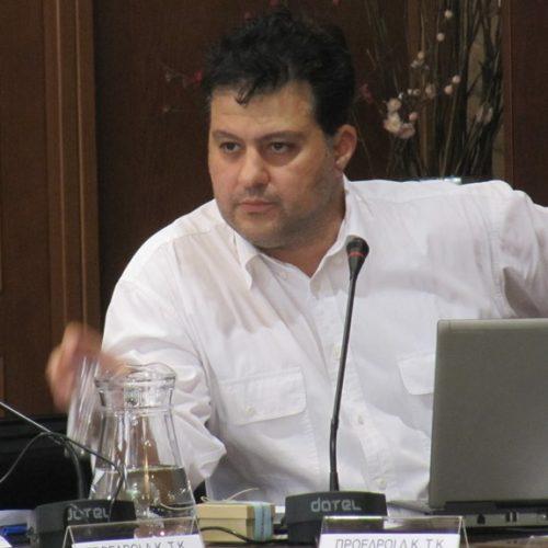 Διαγραφή Γιώργου Κάκαρη – Ένταση στο Δημοτικό Συμβούλιο Βέροιας