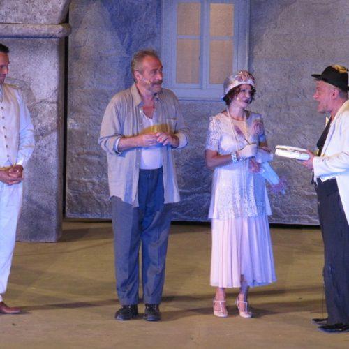 """Ο """"Αλέξης Ζορμπάς"""" στη Βέροια. Μια παράσταση  προσαρμοσμένη στο αισθητήριο του τηλεοπτικού κοινού"""