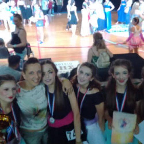 Τη δεύτερη θέση σε Διεθνή Διαγωνισμό   Χορού τα κορίτσια Εστίας Μουσών Νάουσας
