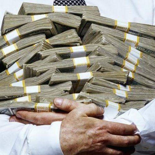 """""""Το θαύμα του καπιταλισμού! Ένας δισεκατομμυριούχος """"αξίζει"""" όσο 2.950.000 φτωχοί!"""" γράφει ο Δάνης Παπαβασιλείου"""