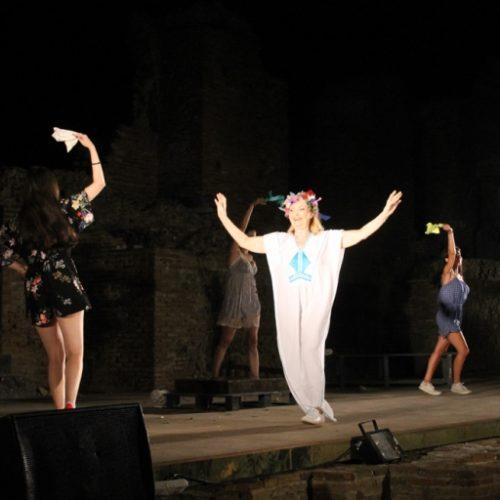 """Φεστιβάλ Μονής Λαζαριστών: """"Εκκλησιάζουσες"""" του Αριστοφάνη Τρίτη 29 Αυγούστου"""