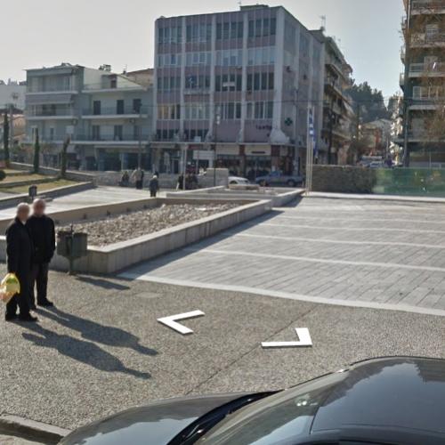 Πλατεία Ωρολογίου, μια πλατεία που διώχνει τους πολίτες