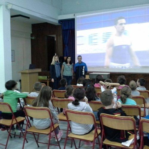"""Βιωματική δράση """"Μαθαίνω για την Ενόργανη Γυμναστική"""". Επισκέψεις στα σχολεία της Νάουσας από τον """"ΗΡΑΚΛΗ"""""""