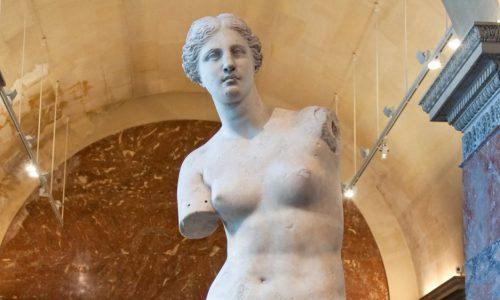 """""""Ολάνθιστος γκρεμός της γυναικός το σώμα"""" γράφει  η Τζωρτζίνα Αθανασίου"""