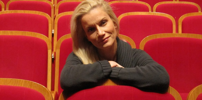 """Μάγδα Πένσου: """"Για μένα το Θέατρο είναι ένας μαγικός λαβύρινθος από τον οποίο δε θέλω να βγω…"""""""
