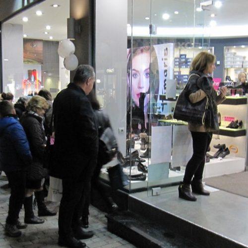 Η black Friday γέμισε δρόμους και μαγαζιά στη Βέροια