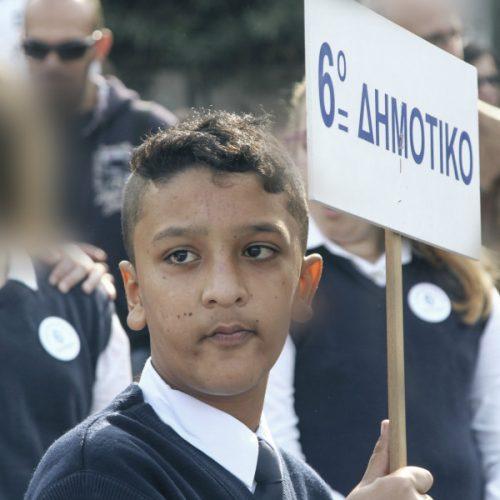 """""""Όταν Έλληνες βρισκόμασταν στη θέση του μικρού Αμίρ"""" γράφει η Βίκυ Σαμαρά"""