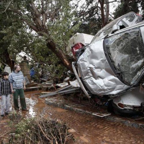 Φονική θεομηνία σε  Μέγαρα και Μάνδρα Αττικής -  Πάνω από δέκα οι νεκροί - Βιβλική καταστροφή