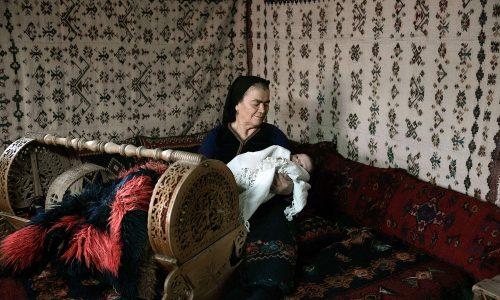 """""""Έθιμα γέννησης βλαχόφωνων Ανατολικού Βερμίου"""" (ολόκληρη η εργασία). γράφει ο Γιάννης Τσιαμήτρος"""