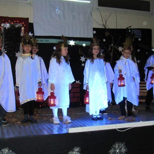 """""""Τα Χριστούγεννα είναι αγάπη"""". Μια συγκινητική γιορτή με τους πολύ μικρούς μαθητές του Δημοτικού Σχολείου της Κουλούρας"""