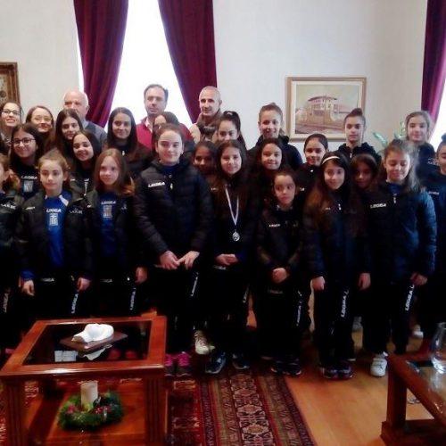 Οι  Ασημένιες   Αθλήτριες της Αισθητικής  Γυμναστικής του Φιλίππου στο Δήμαρχο Βέροιας