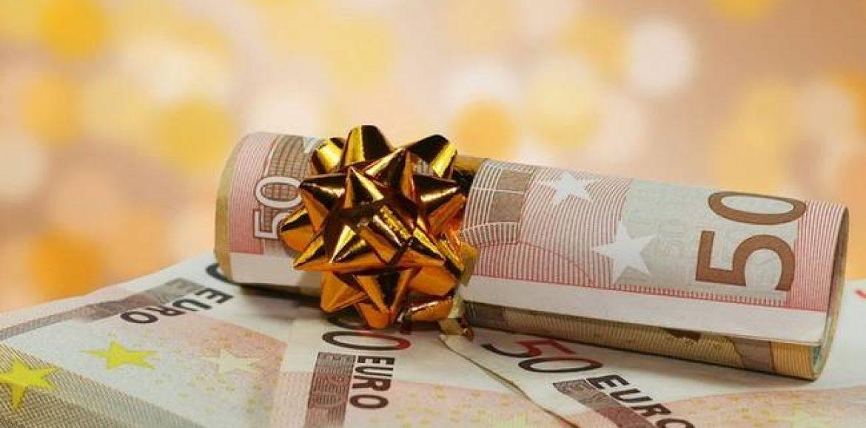 Η ΕΣΕΕ για την καταβολή δώρου Χριστουγέννων και θέματα ωραρίου