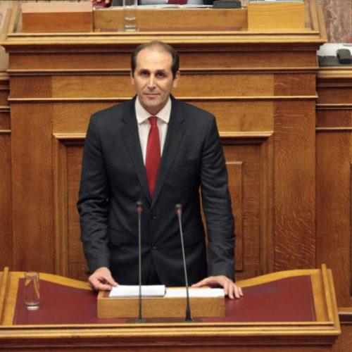 """Απ. Βεσυρόπουλος: «Η Κυβέρνηση εξακολουθεί να """"στραγγαλίζει""""  τον ιδιωτικό τομέα της οικονομίας»"""