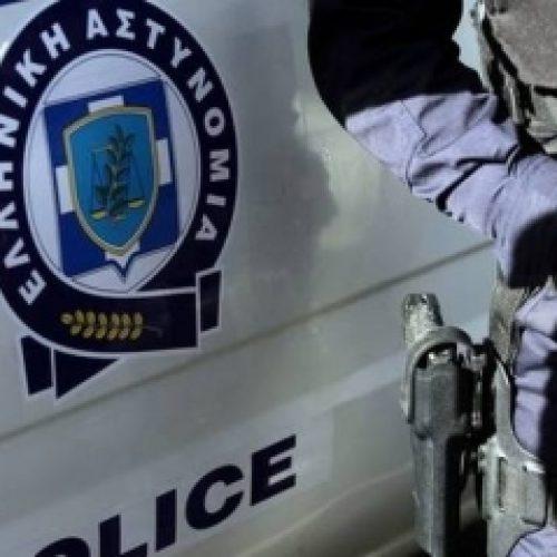 Συνελήφθη για κλοπή 53χρονη από αστυνομικούς του Τ. Α. Νάουσας