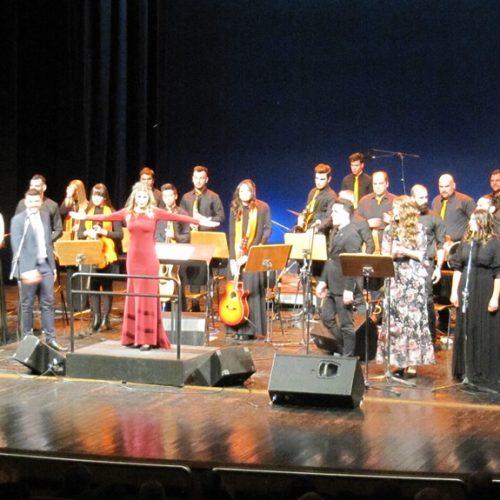 """Η Ορχήστρα της Βέροιας """"Νέοι με Όραμα""""  αφιέρωσε τη συναυλία της στον Ελληνικό Κινηματογράφο και στην αγάπη της για τα παιδιά"""