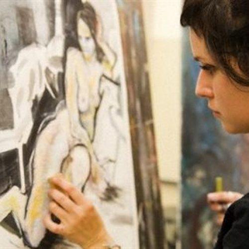 """""""Ο εγκέφαλος των καλλιτεχνών είναι διαφορετικός"""" γράφει η Θεοδώρα Τσώλη"""
