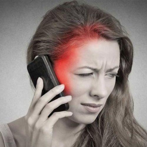 Τα κινητά τηλέφωνα συνδέονται με τον καρκίνο. Δικαστική απόφαση-σταθμός